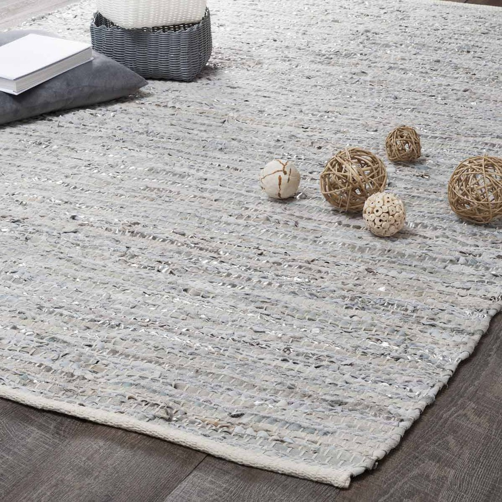 tapis en cuir beige et gris 140 x 200 cm basics maisons du monde. Black Bedroom Furniture Sets. Home Design Ideas