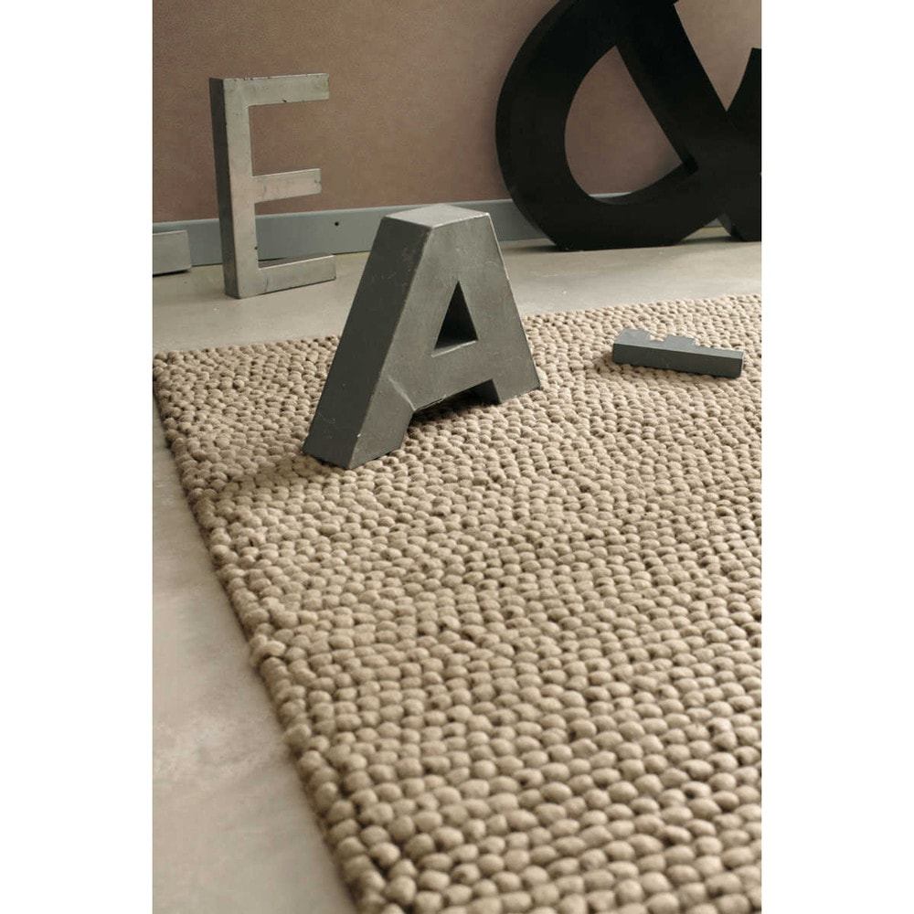 tapis en laine beige 140 x 200 cm industry maisons du monde. Black Bedroom Furniture Sets. Home Design Ideas