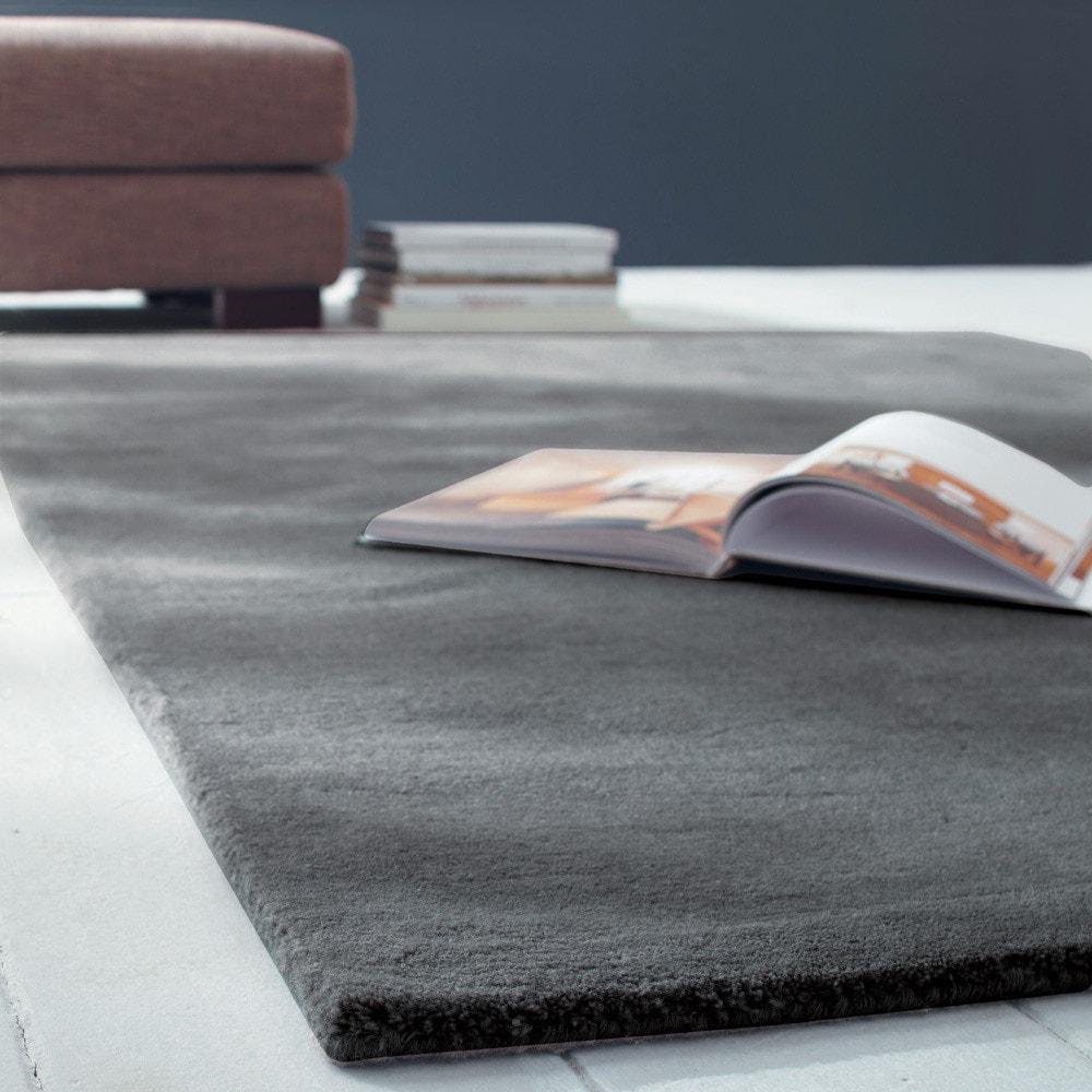 Tappeto color antracite in lana a pelo corto 140 x 200 cm SOFT ...