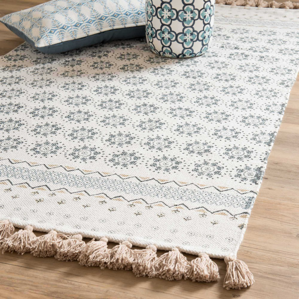 toulon white cotton fringed rug with blue motifs 90 x 150. Black Bedroom Furniture Sets. Home Design Ideas