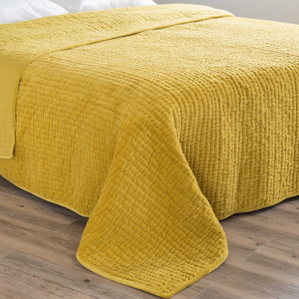 velvet quilted bedspread in mustard yellow 240 x 260cm maisons du monde. Black Bedroom Furniture Sets. Home Design Ideas