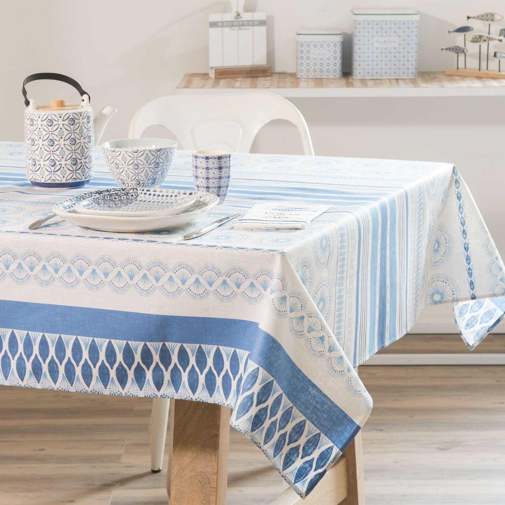 wei e beschichtete tischdecke mit blauen motiven 140x250cm aveiro maisons du monde. Black Bedroom Furniture Sets. Home Design Ideas