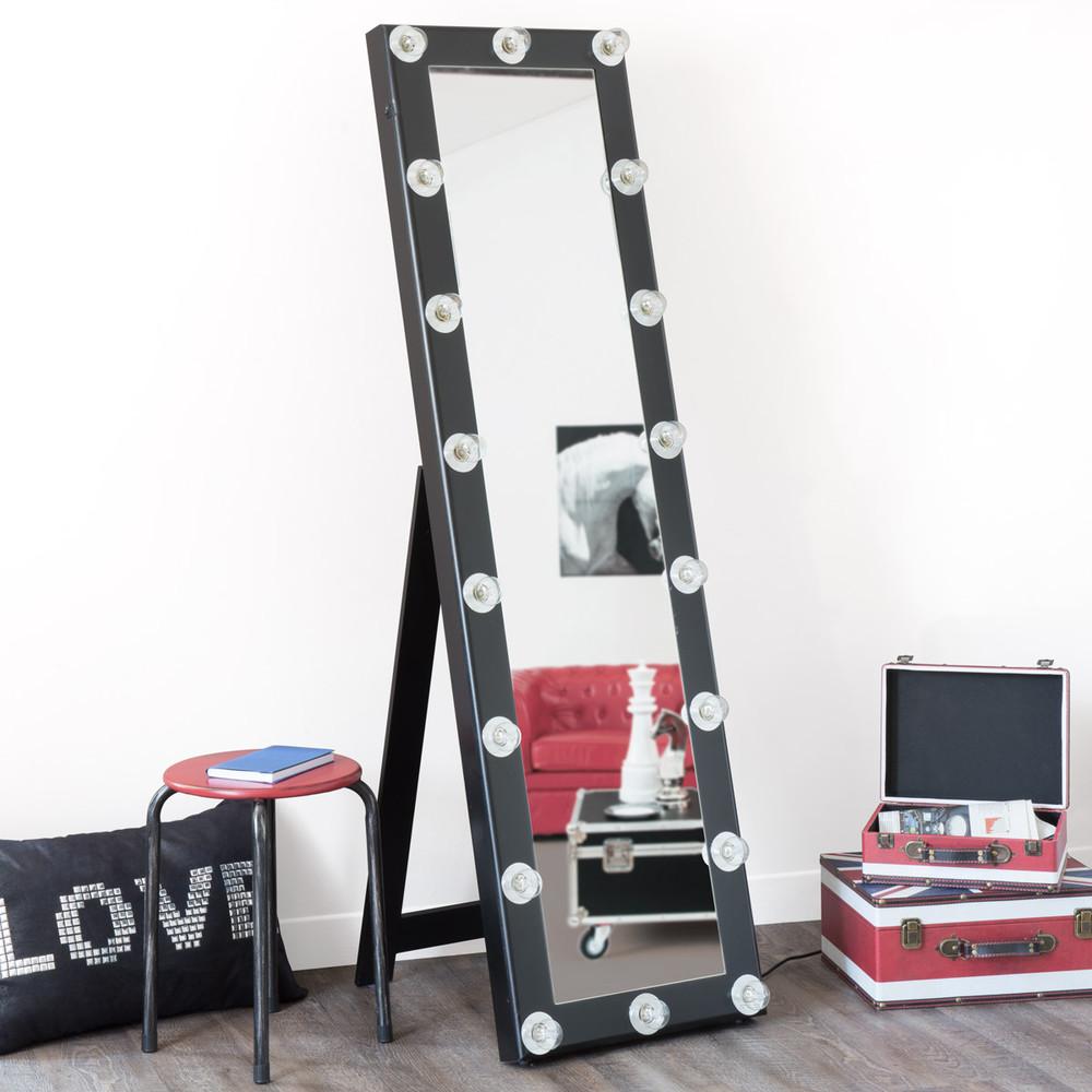 Zwarte loge staande spiegel maisons du monde for Zwarte spiegel